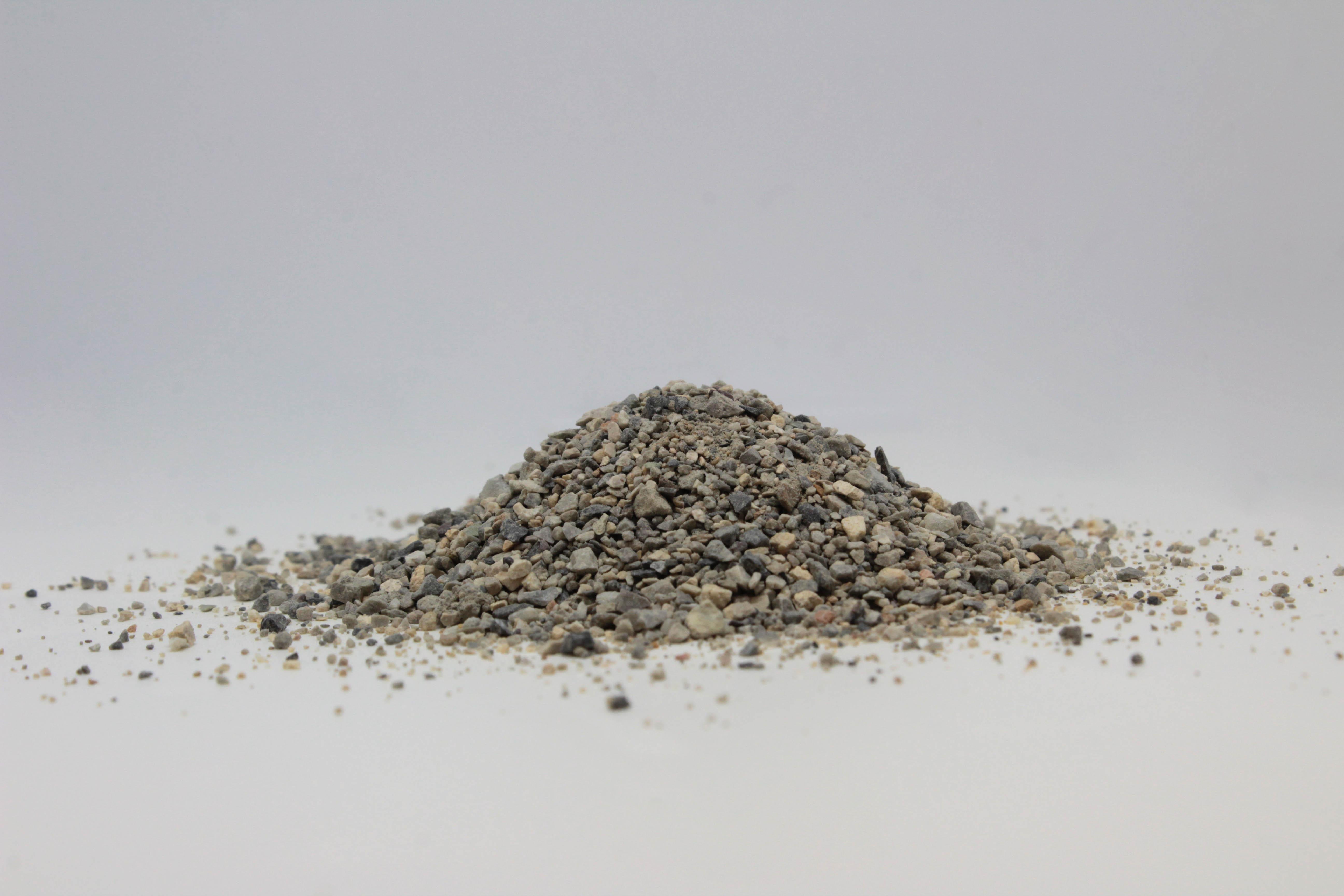 SABBIA LAVATA: Materiale a granulometria medio-fine costituito prevalentemente da calcare.