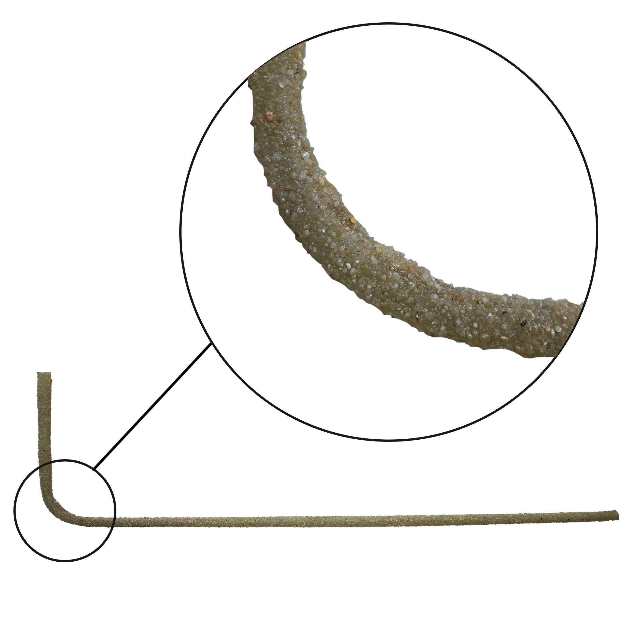 FASSA GLASS CONNECTOR L: Connettore preformato a forma di L costituito da fibre di vetro AR e resina epossidica, irruvidito con quarzo minerale selezionato al fine di garantire una perfetta adesione alla matrice inorganica